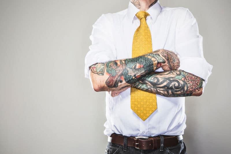 Tatuaże W Miejscu Pracy